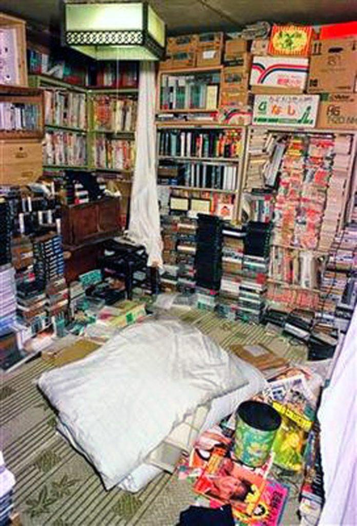 El-cuarto-de-Miyazaki-004-696x1024